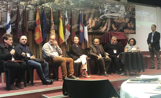 Panel de misioneros en Misión Exprés. / AEE,