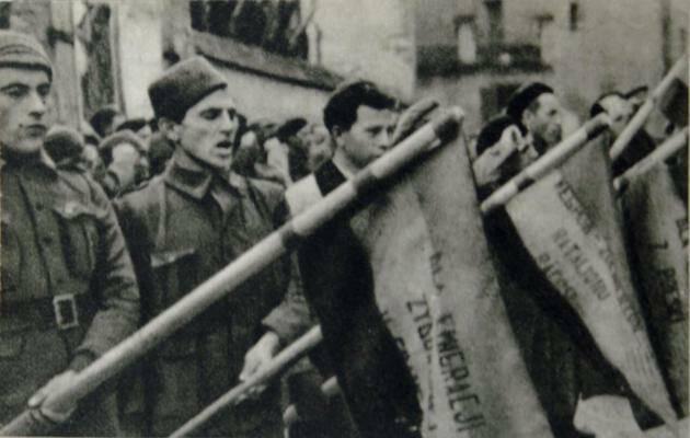 Voluntarios judíos provenientes de Polonia, jurando lealtad a la República. / Wikimedia Commons,
