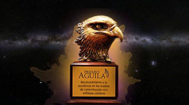 El premio Águila se entrega durante la celebración de Expolit, en Miami. / premio Águila,