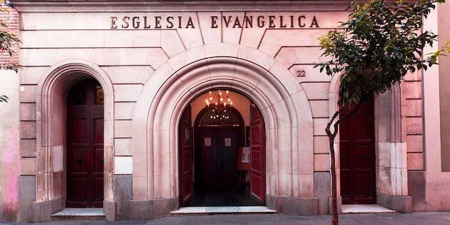 Fachada de la Iglesia Evangélica de Gràcia, en la calle Teruel de Barcelona, que este 2019 ha cumplido 150 años de historia. / Facebook Església Evangèlica de Gràcia,