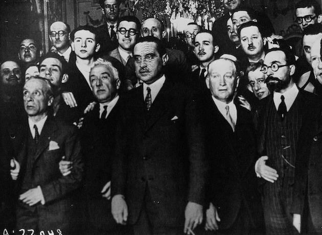 Miembros del gobierno provisional de la Segunda República; de izquierda a derecha: Álvaro Albornoz, Niceto Alcalá-Zamora, Miguel Maura, Francisco Largo Caballero, Fernando de los Ríos y Alejandro Lerroux. / Dominio público, Wikipedia,