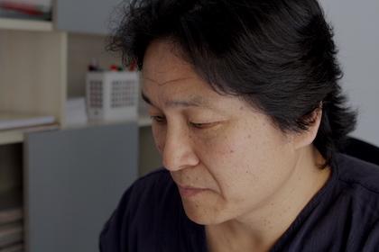 Jeon explica que muchas mujeres han salido de Corea del Norte por la frontera china y que han sido después traficadas. /Jonatán Soriano