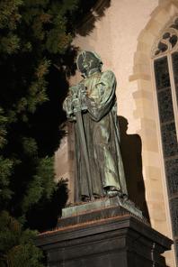 Zwingli était le père de la Réforme protestante dans la Confédération suisse.