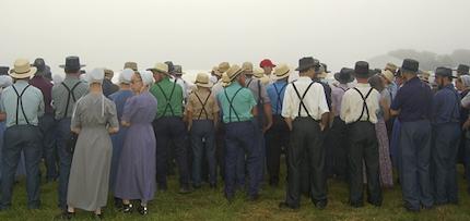 Tous les groupes anabaptistes - comme les Amish - croient que le baptême est réservé aux adultes.
