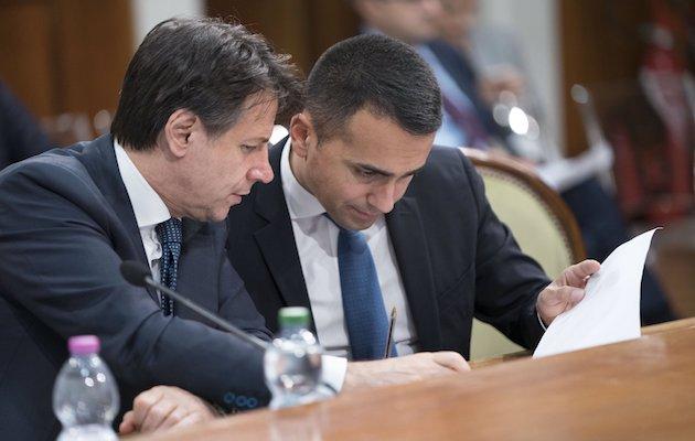 El primer ministro de Italia, Giuseppe Conte, y el líder del Movimiento 5 Estrellas, Luigi di Maio. / Twitter @GiuseppeConteT,