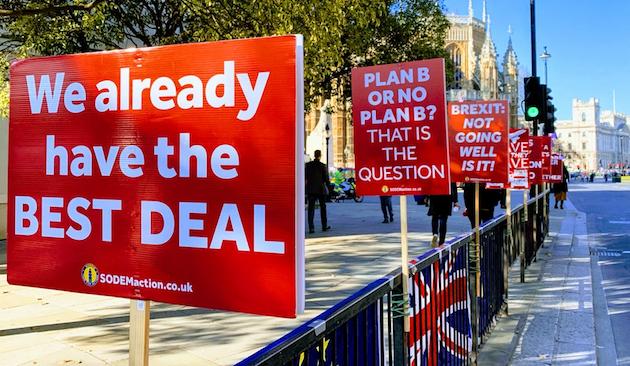 Carteles contra el Brexit en Londres. / John Cameron, Unsplash CC,