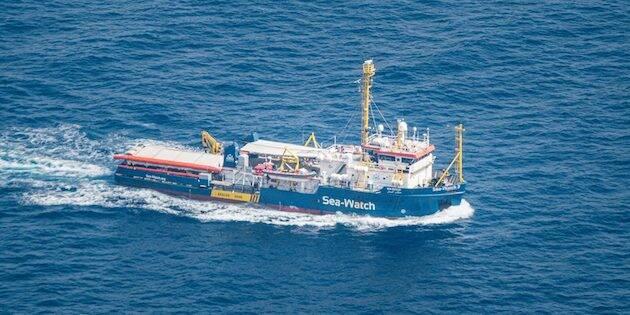 Imagen del barco alemán Sea Watch 3, cuya capitana, Carola Rackete, fue detenida en junio por desembarcar en Lampedusa a personas que había rescatado previamente. / Sea Watch,