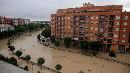 Las inundaciones han provocado el desplazamiento de más de 3.000 personas. / UEBE