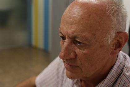 Crespo comenzó a colaborar después de jubilarse con Alianza Solidaria, el departamento de la Alianza Evangélica Española que desarrolla proyectos de cooperación solidaria en diferentes países del mundo. / Jonatán Soriano