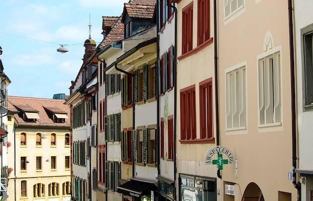 Centro histórico de Basilea, donde se publicó la primera edición de la Biblia traducida por Casiodoro de Reina. / Pixabay,