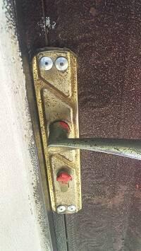 También se ha sellado el paño de la puerta principal. / Middle East Concern