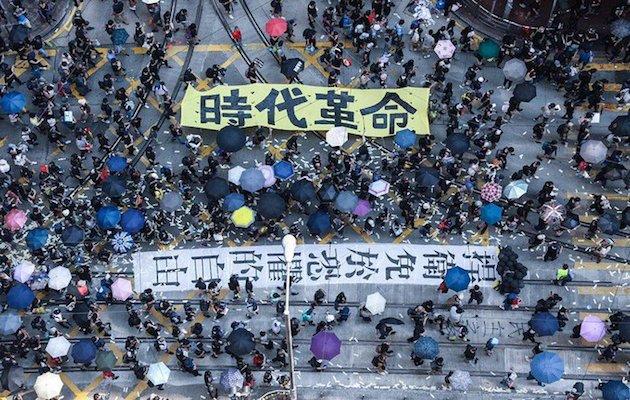 Manifestantes en las calles de Hong Kong. / @HongKongFP, Viola Kam,