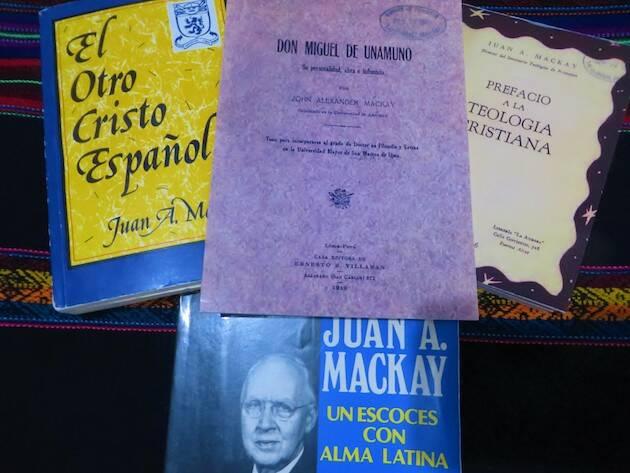 Varias portadas relacionadas con Mackay. / Jacqueline Alencar,