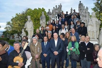 Algunos poetas y público asistente (Foto Beira BaixaTV)