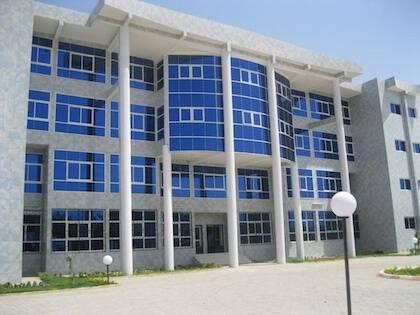 El edificio de la Sociedad de Telecomunicaciones de Chad, el operador público histórico del país. / Makaila