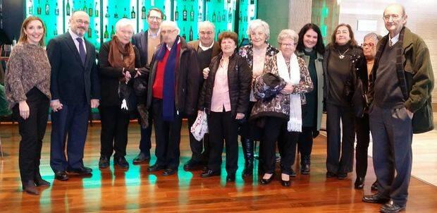 Una foto con asistentes al acto