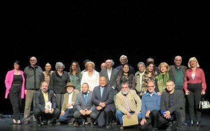 Carlos Bonilla y los poetas que leyeron el día 15 (foto de José Amador Martín)