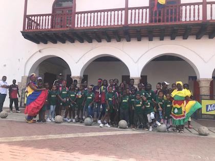Imagen de una salida especial con los niños de Palenque a la vecina Cartagena de Indias. / AS