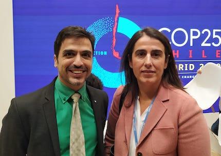 Emilio Carmona, de la Alianza Evangélica Española, junto a Carmen Castiella, directora de Cooperación con América Latina y el Caribe de la AECID.