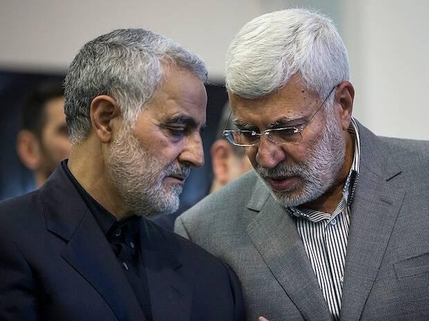 Soleimani, a la izquierda, y Mahdi al-Muhandes, a la derecha, fueron las víctimas de mayor rango en el ataque de Estados Unidos en el aeropuerto de Bagdad. / Fars News Agency, Wikimedia Commons