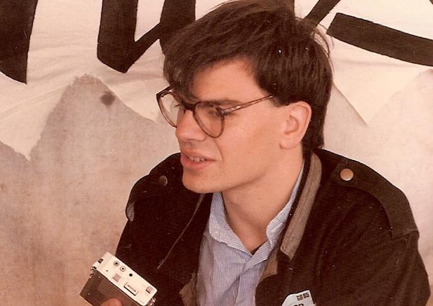José de Segovia haciendo una entrevista en un festival en 1985.