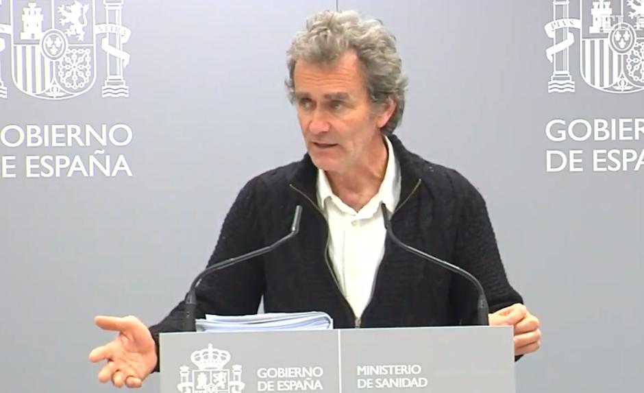 Fernando Simón, dando una rueda de prensa sobre la situación del coronavirus. / Youtube,