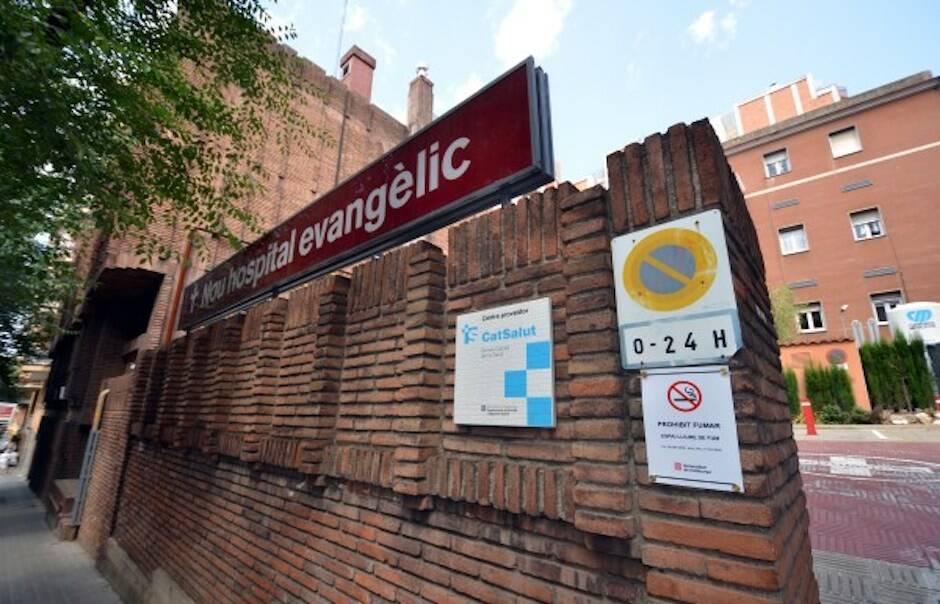 En el Nou Hospital Evangèlic han habilitado una zona para atender a pacientes con el Covid-19. / Archivo,
