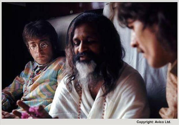 Lennon enseguida se decepcionó del gurú Maharishi, mientras que Harrison siguió el orientalismo.