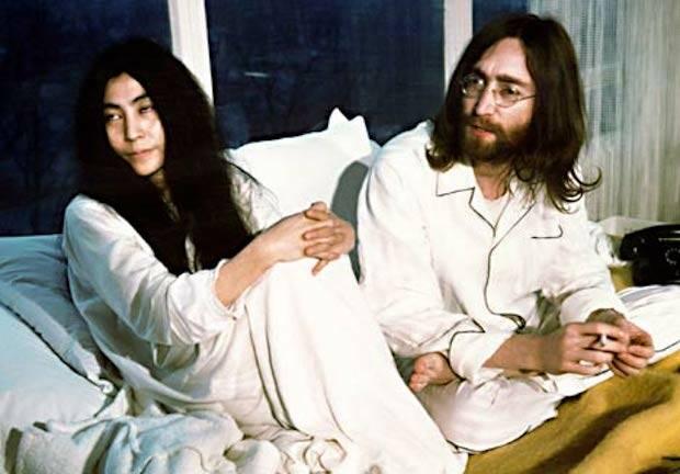 Lennon acabó viviendo para Yoko.