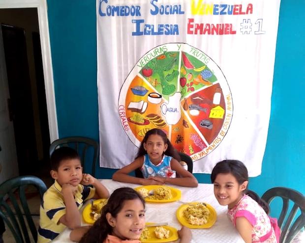 """En Venezuela, """"la necesidad de buscar alimentos cada día hace que no se cumplan"""" las medidas de prevención"""