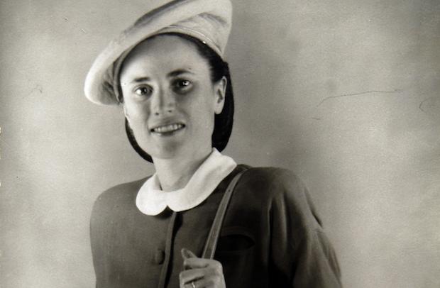 Edith, la esposa de Schaeffer,se llamaba de apellido Seville, Sevilla en inglés, y era hija de misioneros en China.