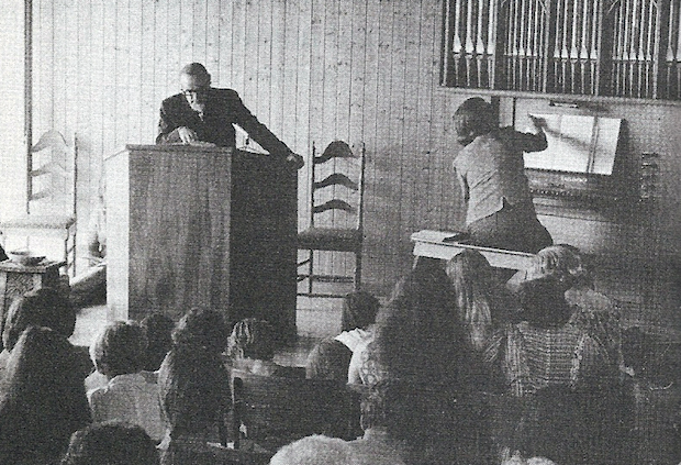 Como L'Abri no era una iglesia, las comunidades que nacieron de su obra, constituyeron una denominación que ha crecido mucho en Gran Bretaña, la Iglesia Presbiteriana Internacional.