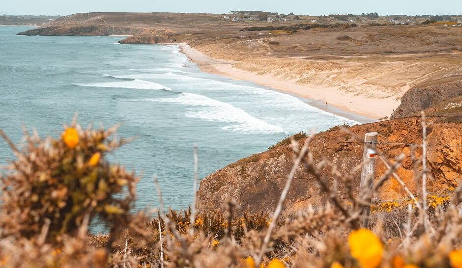 "La costa de Bretaña, en Francia./ <a target=""_blank"" href=""https://unsplash.com/@tsomme"">Thomas Somme </a>, Unsplash CC,"