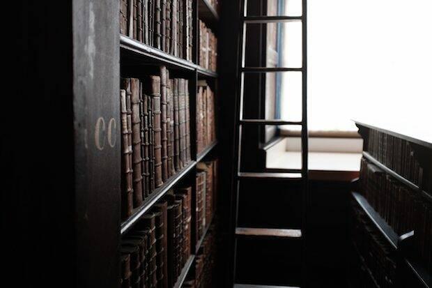 Packer descubrió la literatura puritana en la biblioteca de un pastor retirado que había sido misionero en Japón y regaló sus libros a los estudiantes, al perder la vista.