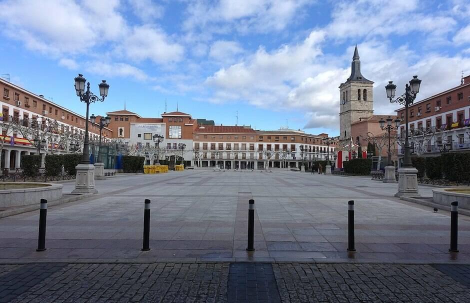Imagen de la Plaza Mayor de Torrejón de Ardoz. / Rodelas, Wikimedia Commons,