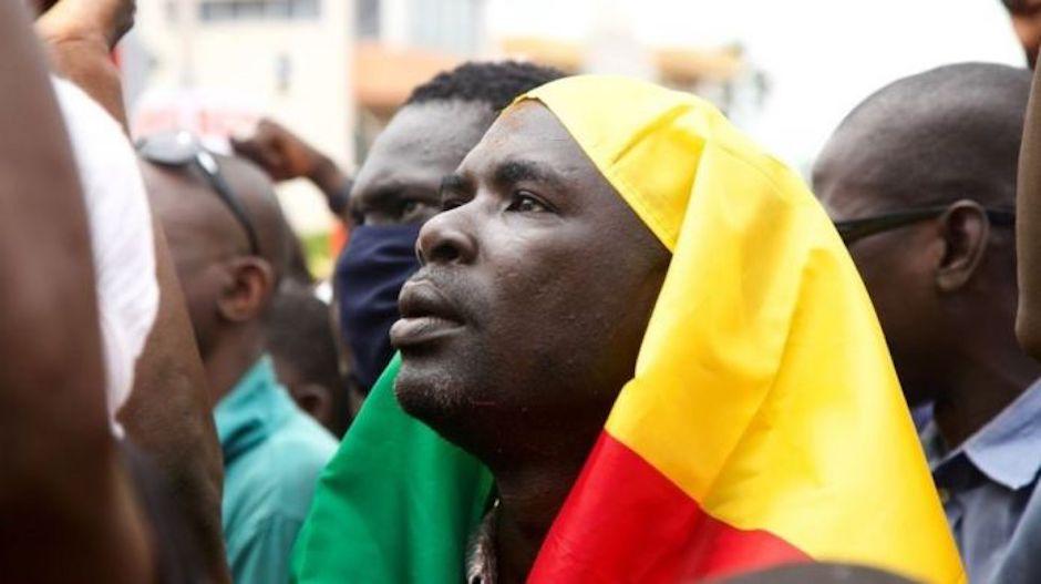 Tras una intento de consulta fallido, la junta militar sigue reuniéndose con diferentes colectivos del país, como las confesiones religiosas. / Twitter Mvu e Khama,