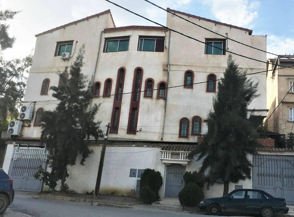 "La Iglesia Protestante del Evangelio Completo de Tizi-Ouzou permanece cerrada desde 2019. / <a target=""_blank"" href=""https://morningstarnews.org/"">Morning Star News</a>,"