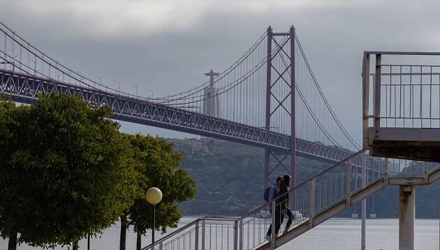 """""""Muchos negocios están cerrando y la gente está perdiendo su empleo"""", lamentan evangélicos portugueses"""