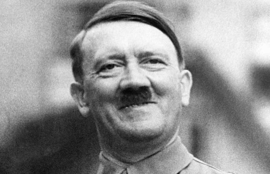Ian Kershaw llega a la conclusión de que el Führer era como un espejo en que cada grupo e individuo proyectaba sus intereses y ambiciones personales.