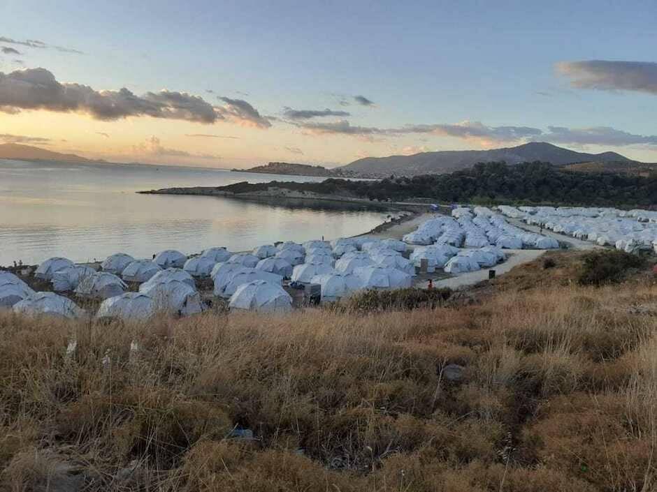 Imagen panorámica del nuevo campamento de Moria, en Lesbos. / Remar,