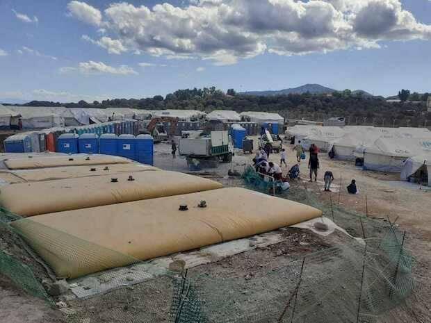 El 'nuevo' Moria prepara el invierno con restricciones por la pandemia y miles de personas en carpas