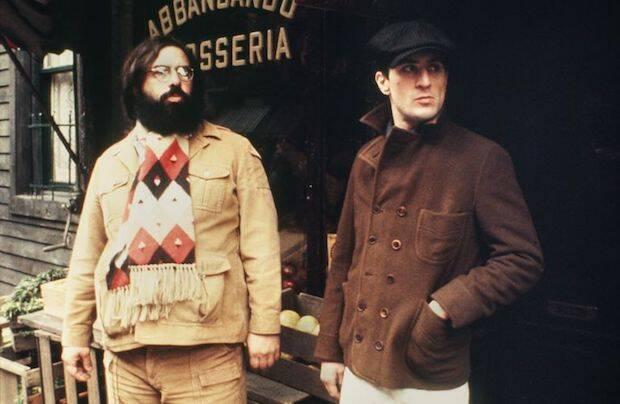 El reparto es prácticamente, el mismo en la segunda que en la primera, a excepción del cambio de Brando por Robert De Niro.