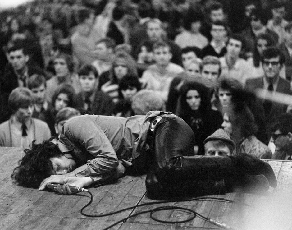 A Morrison le gustaba hacerse el muerto en sus actuaciones.