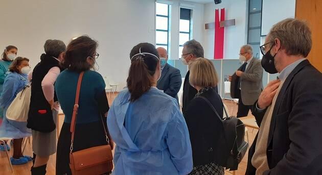 Una iglesia evangélica en Sintra abre a diario como centro de vacunación masiva