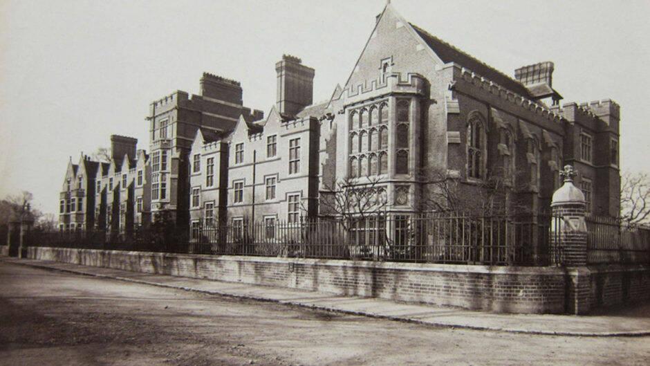 Ridley Hall fue fundado en Cambridge en 1881 como la respuesta practica al ritualismo y la propaganda racionalista