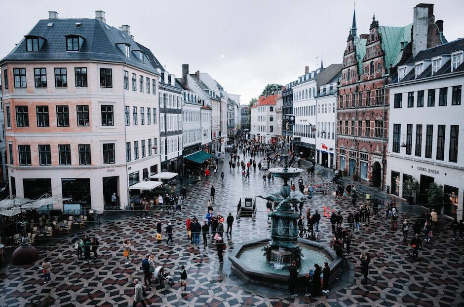 """Dinamarca espera haber ofrecido las posibilidad de vacunarse a toda su población para finales de verano. /<a target=""""_blank"""" href=""""https://unsplash.com/@jiuge9?utm_source=unsplash&utm_medium=referral&utm_content=creditCopyText"""">Darth Liu</a>, Unsplash CC,"""