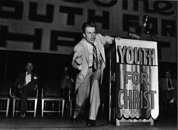 Graham trabajaba con Juventud Para Cristo desde el verano de 1945, tras su famosa campaña de Los Ángeles.
