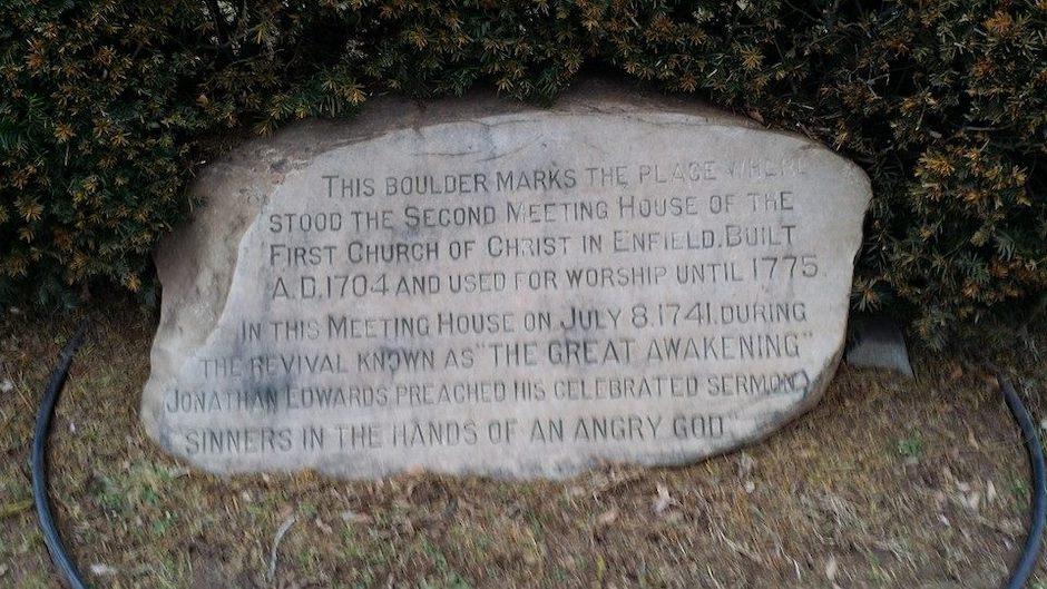 Un memorial conmemora el famoso sermón de Edwards. / Wikipedia|#|