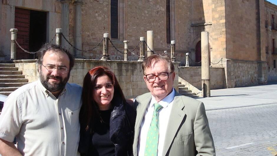 Alfredo Pérez Alencart, Jacqueline Alencar y Juan Antonio Monroy. / Facebook Jacqueline Alencar|#|