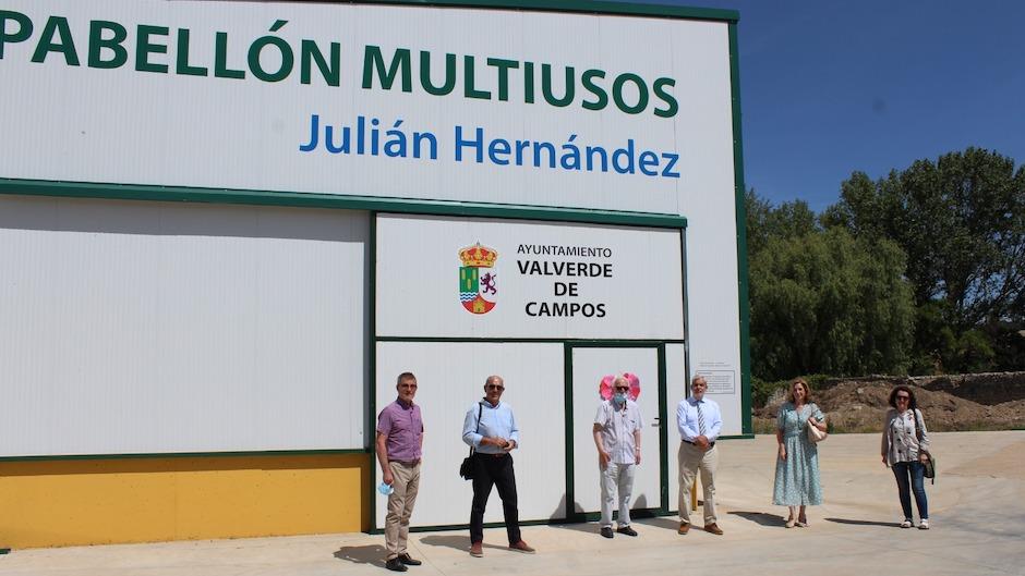 El pabellón multiusos Julián Hernández, en Valverde de Campos. / Emilio Monjo|#|